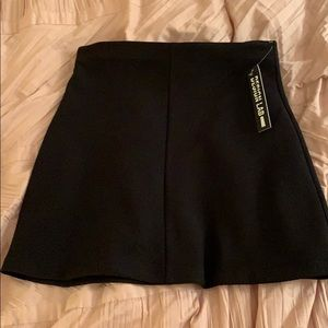 plain mini black skirt